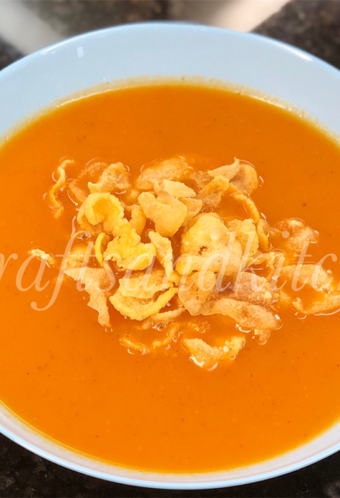 Tomato Soup With Cornflakes